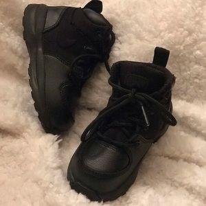 Boys toddler Nike ACG boots black size 6c
